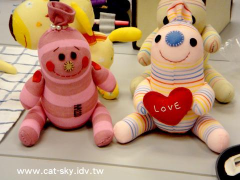 這是CandyMan 糖果人娃娃  就是每個人心中住著一個會對自己說話的小孩子喔!