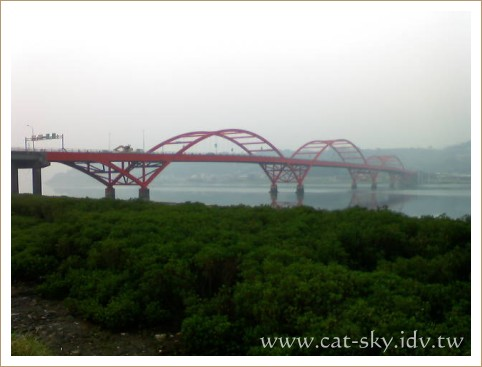早晨的關渡大橋