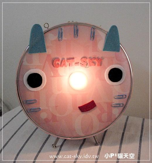 大家好 ! 我是 [CAT-SKY 小P貓天空] 的坐檯貓咪燈喔!!叫我 小pinky~
