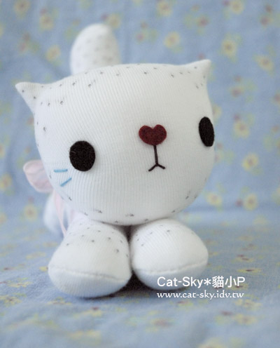 趴趴貓-銀白金吉拉貓-cream